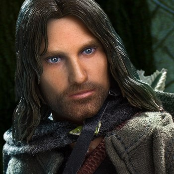 Aragorn Deluxe Collectible Figure