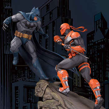 Batman VS Deathstroke Statue