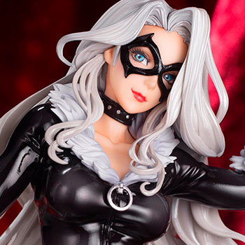 Black Cat Steals Your Heart Statue