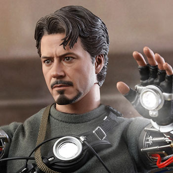 Tony Stark (Mech Test Version) Sixth Scale Figure