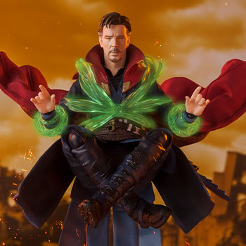 Doctor Strange (Battle on Titan) Collectible Figure