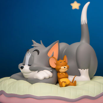Tom and Jerry Sweet Dreams Collectible Figure