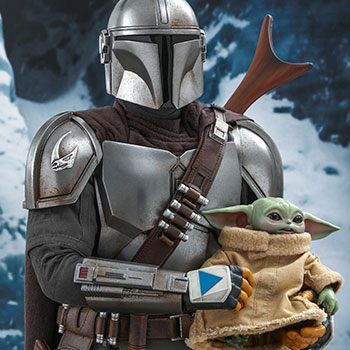 The Mandalorian and The Child Collectible Set