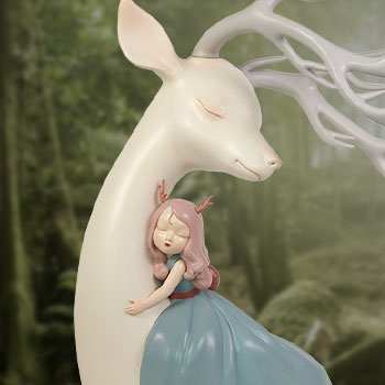 Lucky Deer Closest Collectible Figure