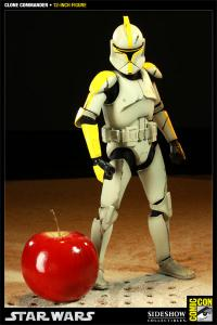 Gallery Image of Clone Commander Sixth Scale Figure