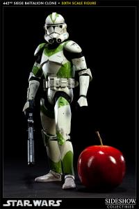 Gallery Image of 442nd Siege Battalion Clone Trooper Sixth Scale Figure