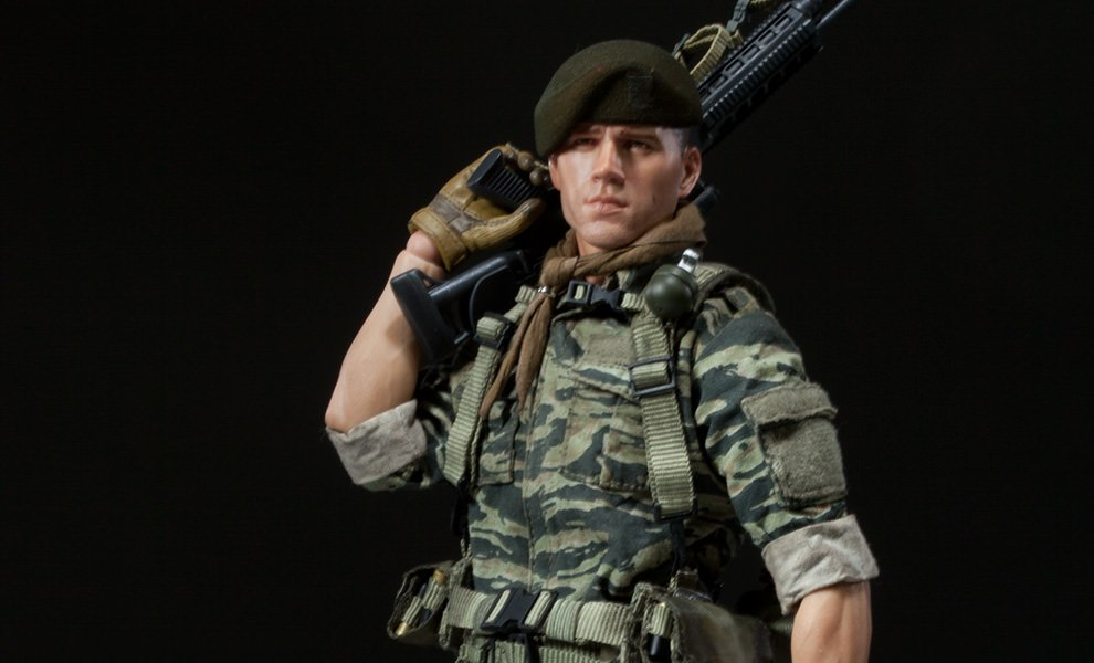 Gallery Feature Image of Green Beret - Lieutenant Falcon Sixth Scale Figure - Click to open image gallery