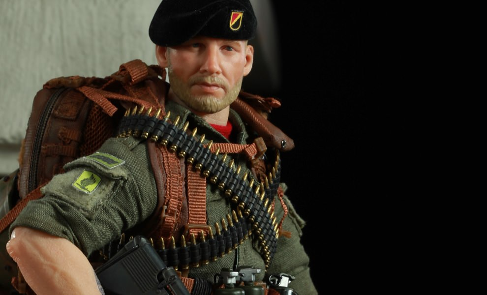 Gallery Feature Image of Rock 'n' Roll Sixth Scale Figure - Click to open image gallery