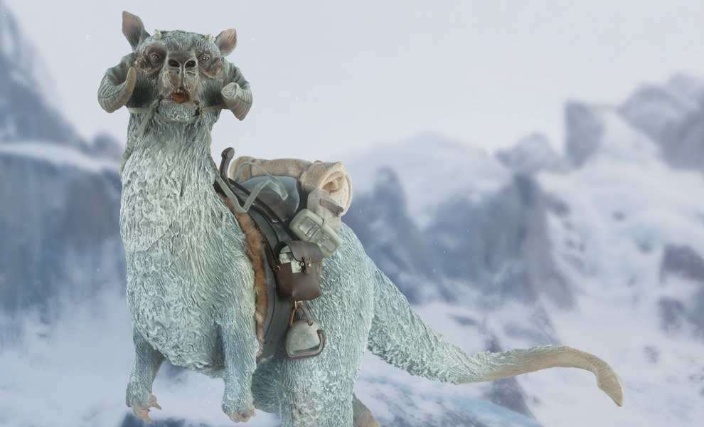 Gallery Feature Image of Tauntaun Deluxe Sixth Scale Figure Accessory - Click to open image gallery
