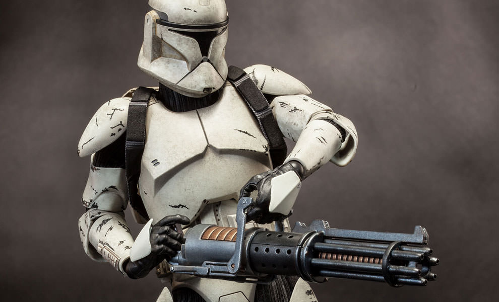 Gallery Feature Image of Clone Trooper Deluxe: Veteran Sixth Scale Figure - Click to open image gallery