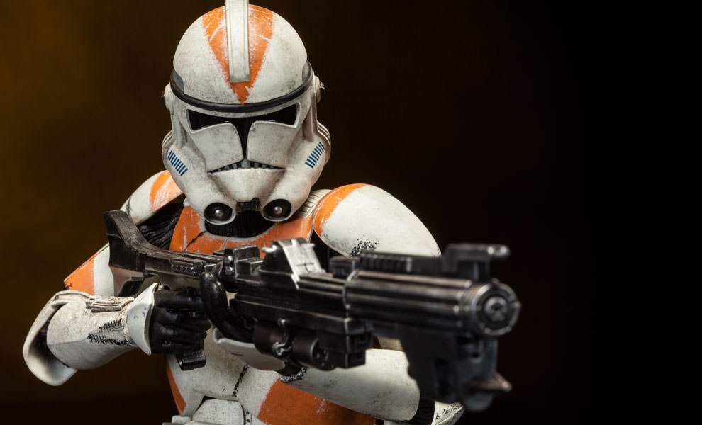 Gallery Feature Image of Clone Trooper Deluxe: 212th Sixth Scale Figure - Click to open image gallery