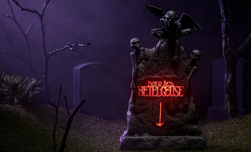 Gallery Feature Image of Beetlejuice Tombstone Sixth Scale Figure Accessory - Click to open image gallery