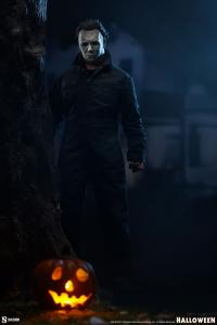 Gallery Image of Michael Myers Deluxe Sixth Scale Figure