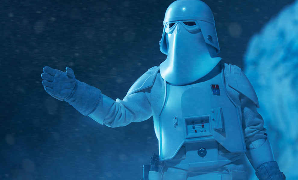Gallery Feature Image of Snowtrooper Commander Sixth Scale Figure - Click to open image gallery