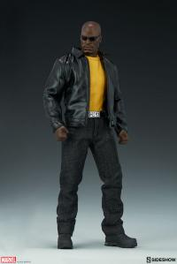 Gallery Image of Luke Cage Sixth Scale Figure