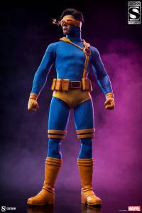 Gallery Image of Cyclops Sixth Scale Figure