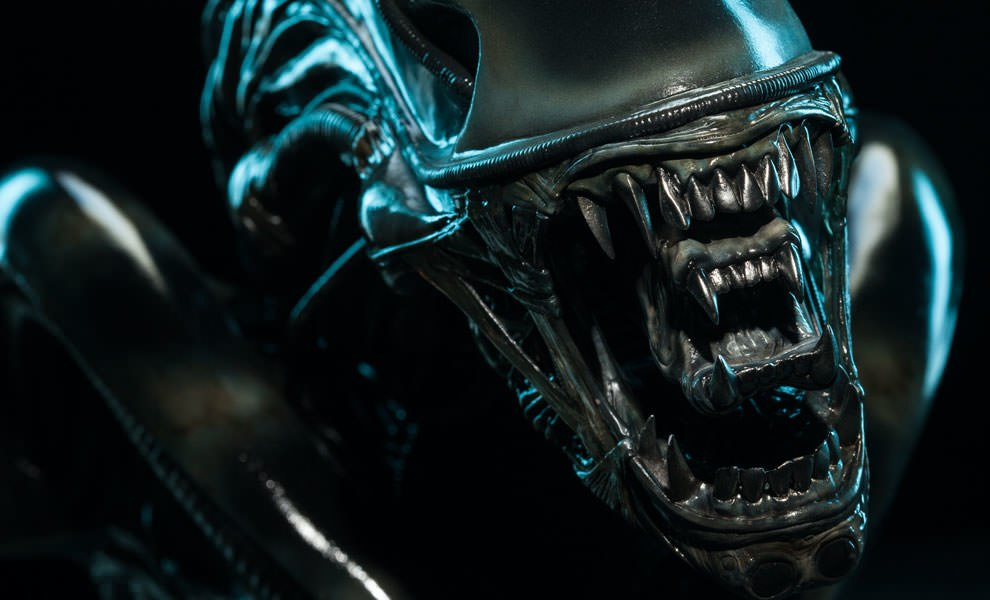 Gallery Feature Image of Alien Warrior Legendary Scale™ Bust - Click to open image gallery