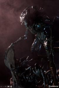 Gallery Image of Alien King Maquette