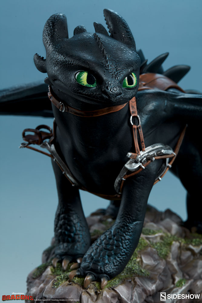 How to Train Your Dragon Toothless Statue by Sideshow Collec