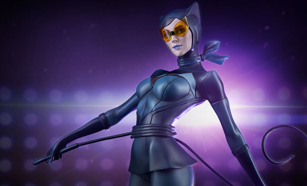 Gallery Feature Image of Catwoman Statue - Click to open image gallery