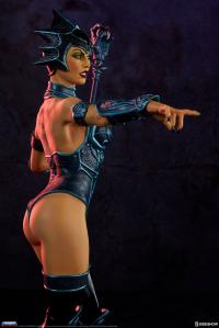 Gallery Image of Evil-Lyn Classic Statue