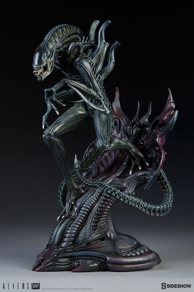 Aliens Alien Warrior Statue by Sideshow Collectibles