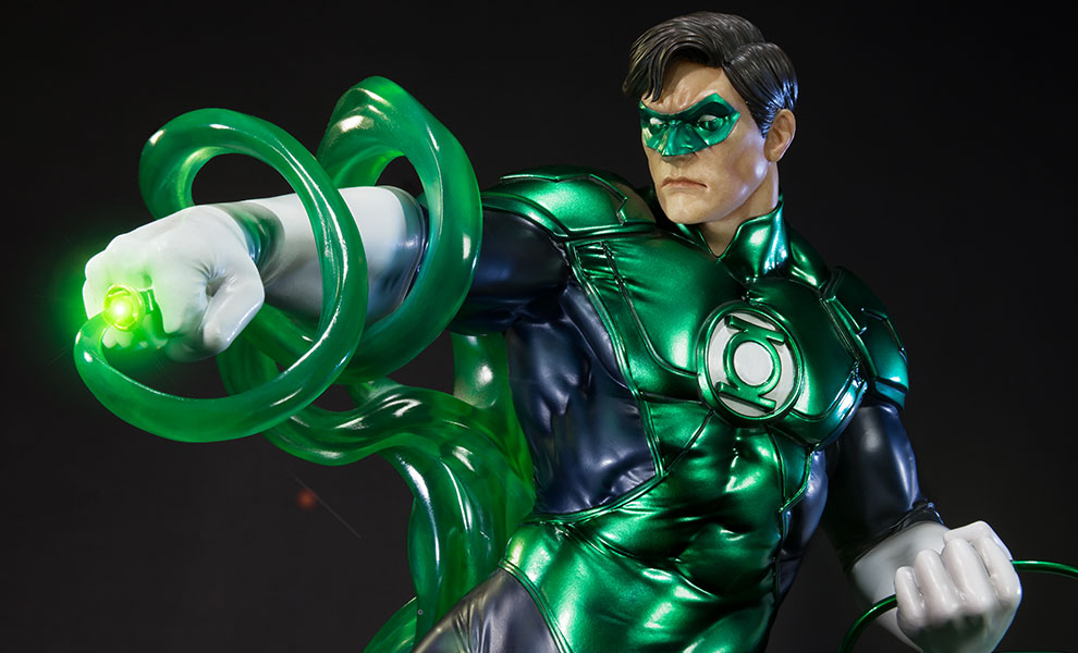 Gallery Feature Image of Green Lantern Statue - Click to open image gallery