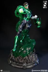 Gallery Image of Green Lantern Statue