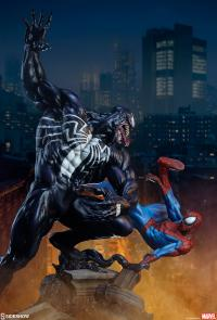 Gallery Image of Spider-Man vs Venom Maquette