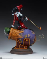 Gallery Image of Harley Quinn and The Joker Diorama