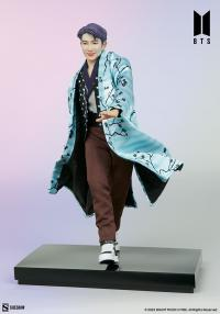 Gallery Image of RM Deluxe Statue