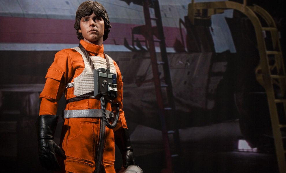 Gallery Feature Image of Luke Skywalker: Red Five X-wing Pilot Sixth Scale Figure - Click to open image gallery