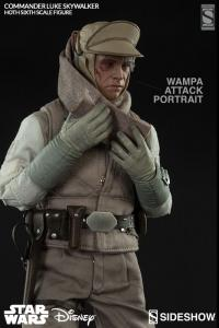 Gallery Image of Commander Luke Skywalker - Hoth Sixth Scale Figure