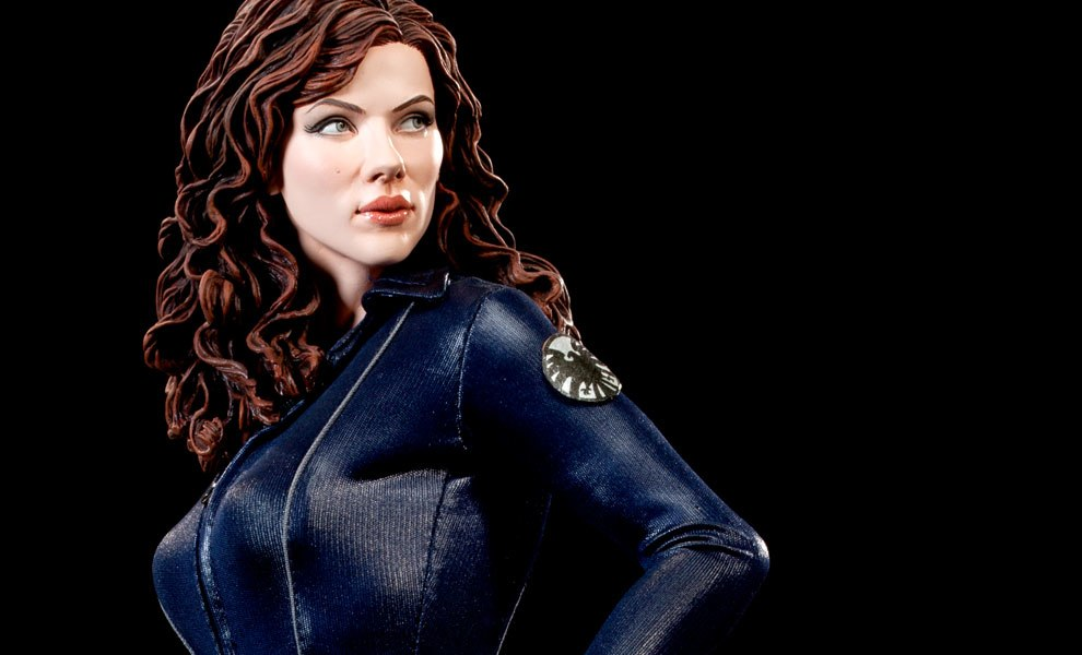 Gallery Feature Image of Black Widow - Scarlett Johansson Premium Format™ Figure - Click to open image gallery