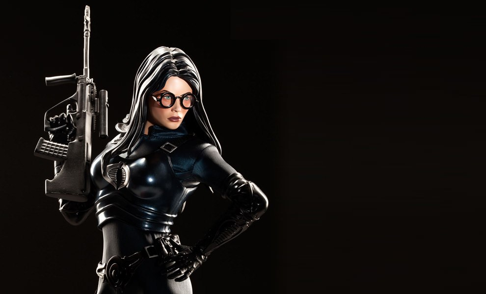 Gallery Feature Image of Baroness - Classic Version Premium Format™ Figure - Click to open image gallery