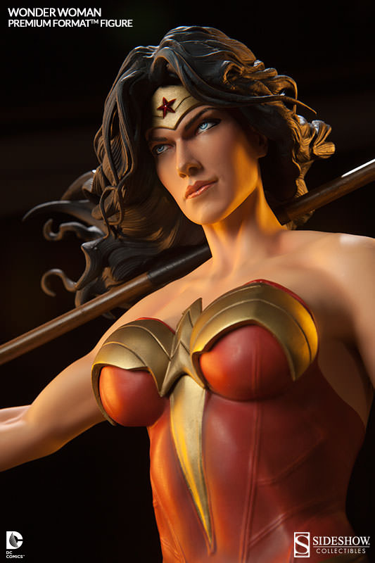 16c573e0d01 Wonder Woman Statue