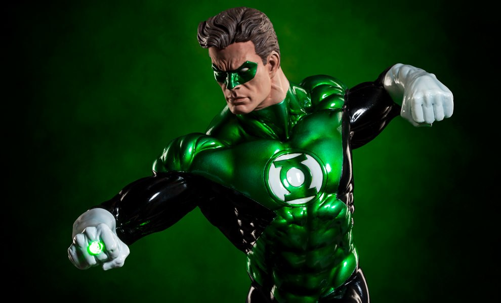 Gallery Feature Image of Green Lantern Premium Format™ Figure - Click to open image gallery