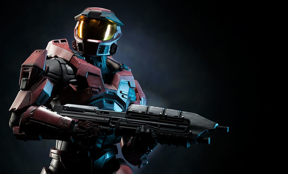 Gallery Feature Image of HALO Spartan - Red Team Leader Premium Format™ Figure - Click to open image gallery