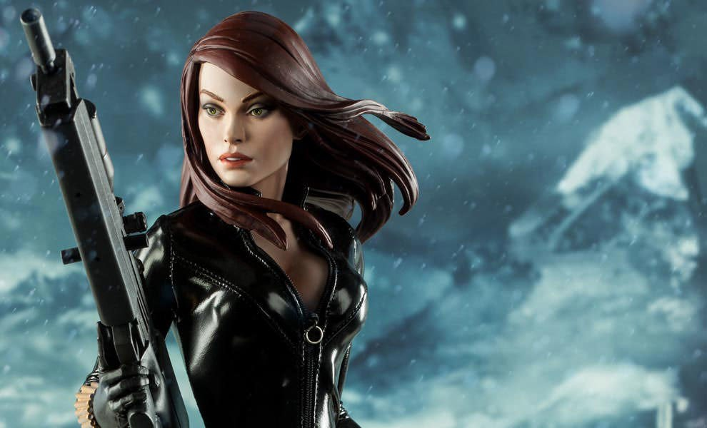 Gallery Feature Image of Black Widow - Natasha Romanova Premium Format™ Figure - Click to open image gallery