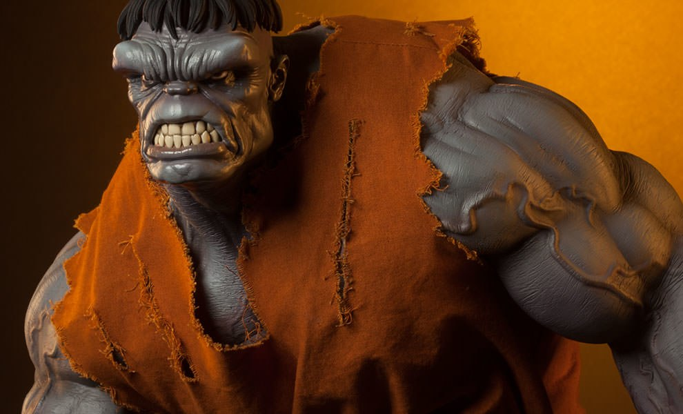 Gallery Feature Image of Gray Hulk Premium Format™ Figure - Click to open image gallery
