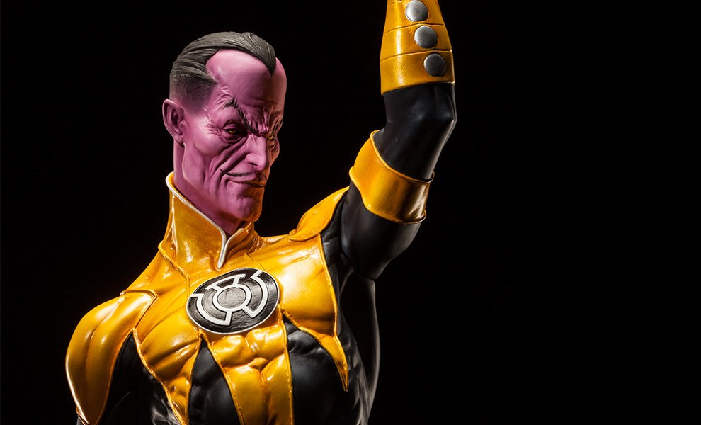 Gallery Feature Image of Sinestro Premium Format™ Figure - Click to open image gallery