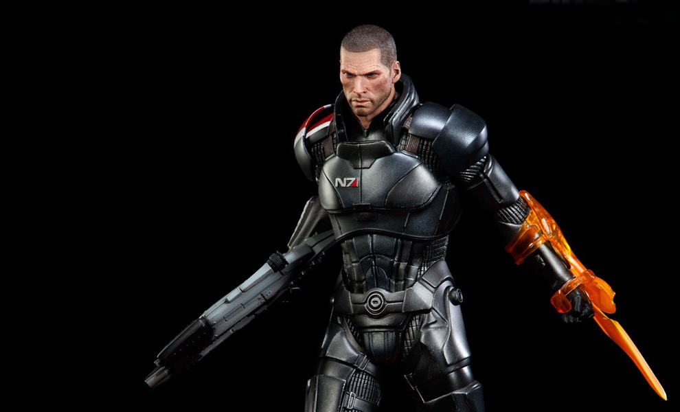 Gallery Feature Image of Commander Shepard Premium Format™ Figure - Click to open image gallery