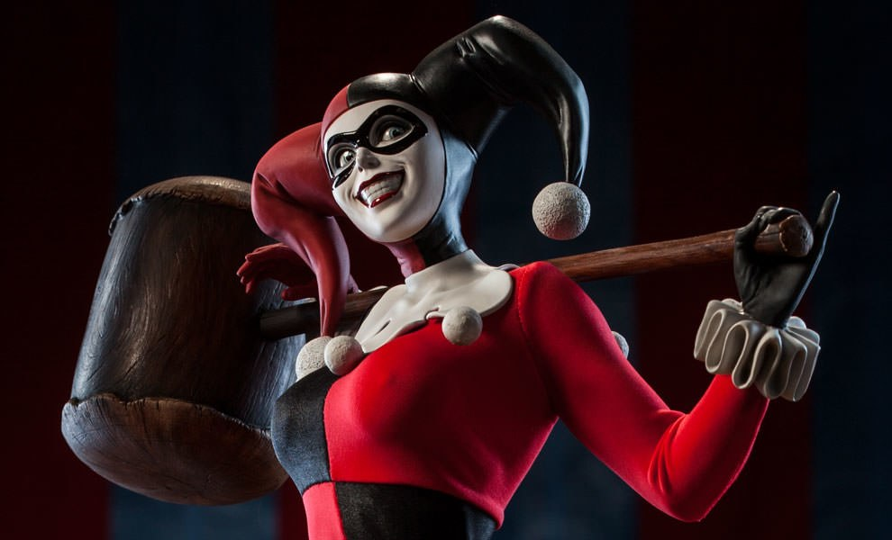 Gallery Feature Image of Harley Quinn Premium Format™ Figure - Click to open image gallery