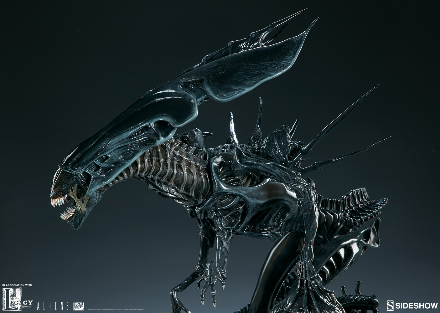 Aliens Alien Queen Maquette by Sideshow Collectibles