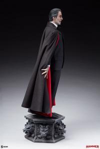 Gallery Image of Dracula Premium Format™ Figure