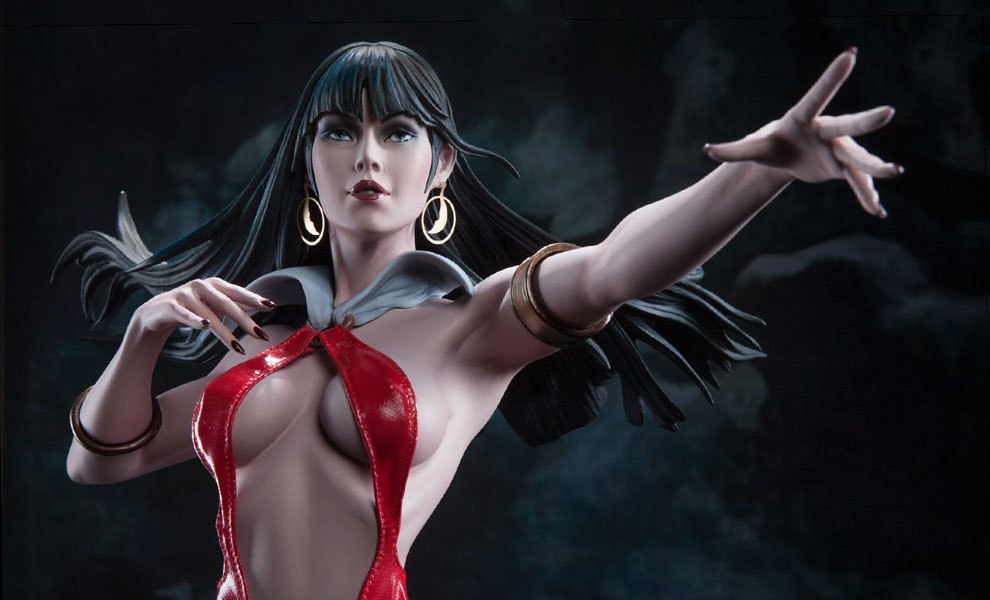 Gallery Feature Image of Vampirella Premium Format™ Figure - Click to open image gallery