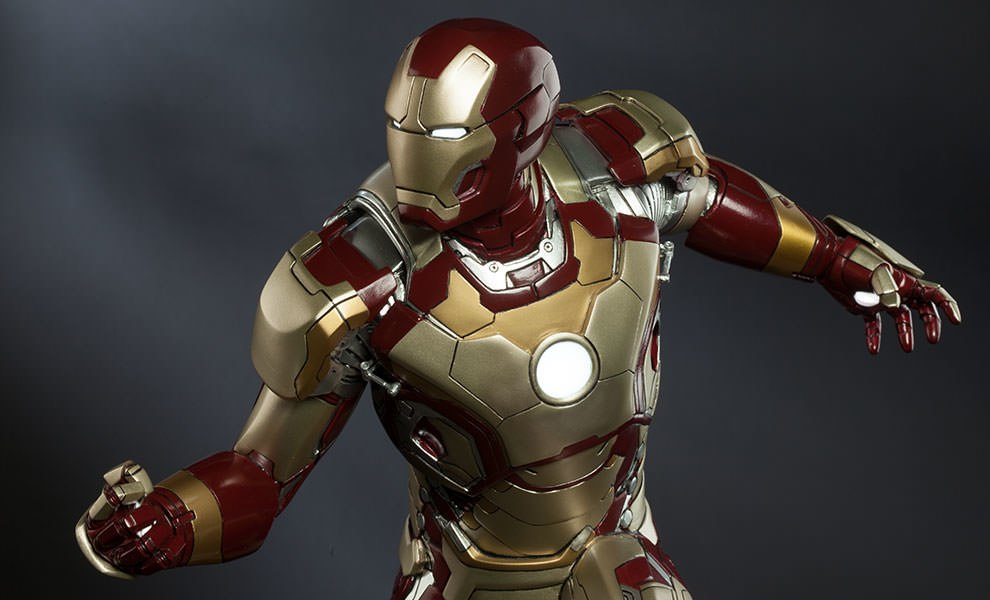 Gallery Feature Image of Iron Man Mark 42 Quarter Scale Maquette - Click to open image gallery