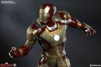 Gallery Image of Iron Man Mark 42 Quarter Scale Maquette