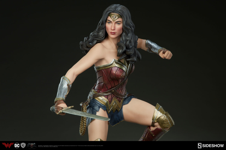 DC Comics Wonder Woman Premium Format(TM) Figure by Sideshow   Sideshow 1885bc05a6