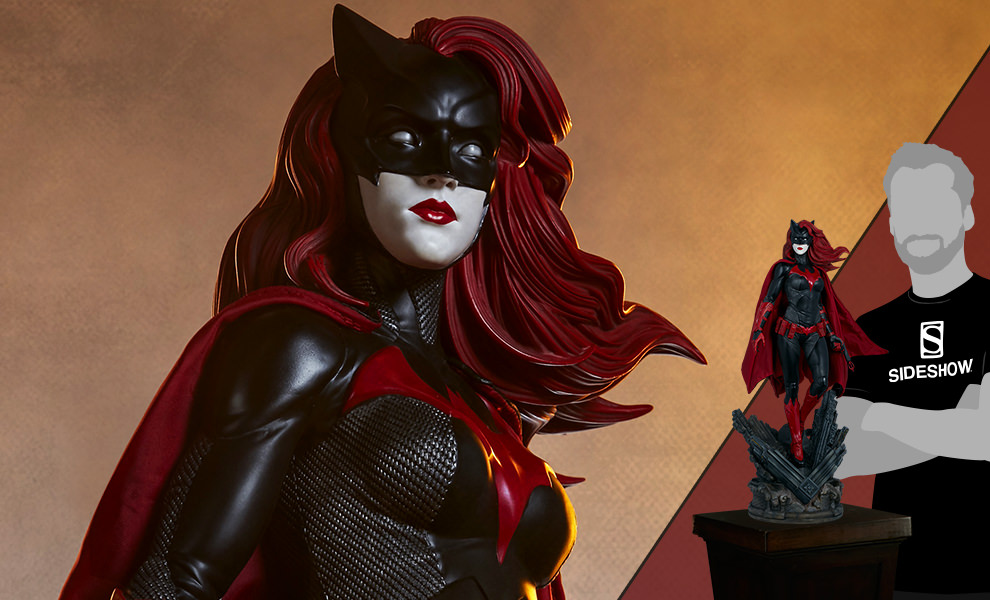 Gallery Feature Image of Batwoman Premium Format™ Figure - Click to open image gallery